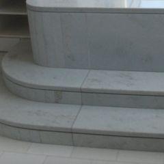 Thassos White Floor Tile & Azul Cielo Tub Surround